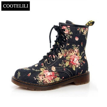 35 40 Plus Size Fashion Autumn Beautiful Flower Shoes Woman Lace Up Motorcycle Cow