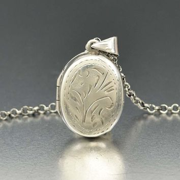 Sweet Sterling Silver Engraved Locket Retro Necklace