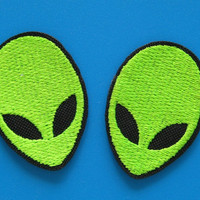 2 pcs Iron-on Embroidered Patch Alien face 1.6 inch