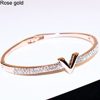 LV Louis Vuitton simple personality exaggerated opening jewelry bracelet F0475-1 Rose gold