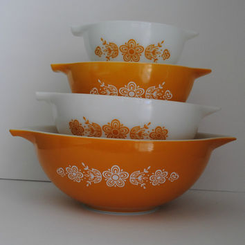 PYREX Butterfly Gold Set of 4 Cinderella Mixing Bowls - (500.38)