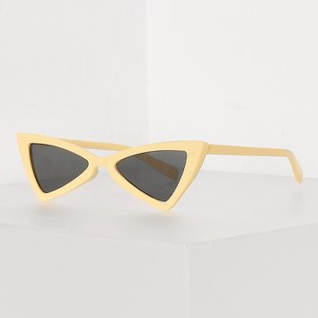 YELLOW RETRO CAT EYE SUNGLASSES