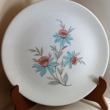 Mid Century Fairlane by Steubenville  Dinner Plate STBFAI  Pink and Blue Flowers with Gray Leaves