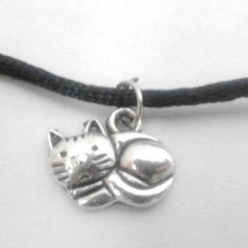Silver Plated Curled Up Cat Charm Choker Necklace