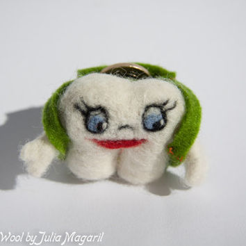 Tooth Fairy Helper - tooth/coin holder. Needle felted. Handmade. 100% wool.