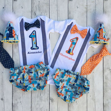 Twins first birhday outfit sets - birthday outfits for twin boys - planes theme first birhday - twins 1st birthday outfits - custom