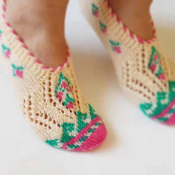 Beige and Pink, Hand knit women house slipper, Traditional Turkish Design, Home Slippers, Womens crochet shoe