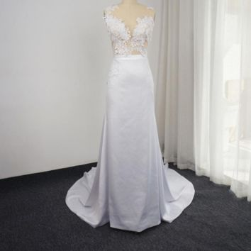 New Design Wedding Dress with Detachable Train Sleeveless Sheath Transparent Back Sexy Bridal Gown
