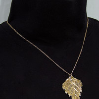 Vintage Sarah Coventry Gold Tone Leaf Necklace