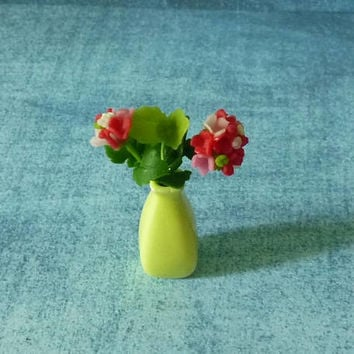 Red flower yellow vase Miniature flowers Dollhouse miniature, miniature plant, Dollhouse decorating