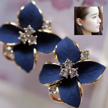High Quality New Fashion 18k Gold Plated Clover Flower Shaped Rhinestone Stud Earrings for Women Ladies Girls Jewelry
