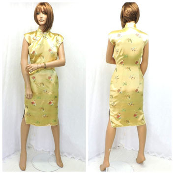 Vintage 60s silk Chinese cheongsam dress S 1960s Asian liquid gold silk embroidered oriental wiggle dress size 5 / 6 SunnyBohoVintage