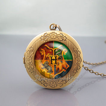 Hogwarts crest Photo Locket Necklace,Harry Potter Hogwarts crest,vintage pendant Locket Necklace
