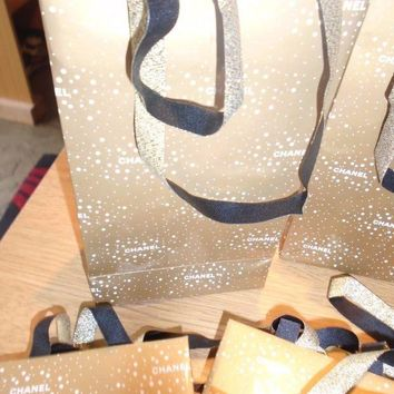 DCCKUG3 LADIES CHANEL GIFT BAGS X 10 - CHRISTMAS BAGS PERFECT FOR SAMPLES ETC - RE SALE