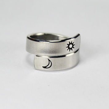 Sun and Moon Wrap Ring, With Personalized Message, Simple Twist Aluminum, Love And Friendship Matching Spiral Ring