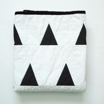 Modern Geometric Baby Quilt in Black and White Triangles and Stripes for Boy or Girl -- Reversible