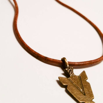 Arrowhead necklace antique brown leather cord  bronze Indian native American arrow charm hunting magnetic clasp country unisex jewelry