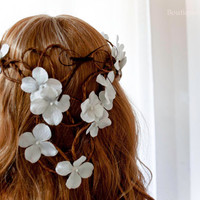 White flower headwreath/earthy twig bridal garland/whimsical/bride/bridesmaid/girl/floral/crown/circlet/halo/crown/woodland/fall back/toga
