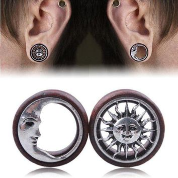 ac ICIKO2Q 1Pair Fashion Wooden Hollow Sun & Moon Ear Plugs Gauges Saddle Flesh Tunnel Ear Piercing Expander Women Body Jewelry 8mm-20mm