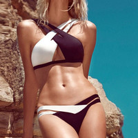 Mixed Color Black and White Bandage  Hollow Bandage Women Two Piece Swimsuit Bathing Suit Bikini Set _ 171