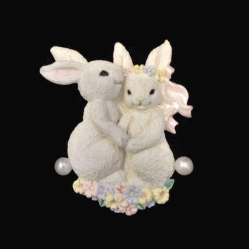 Avon Hugging White Bunny Easter Brooch Pin