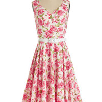 Bernie Dexter Vintage Inspired Long Sleeveless A-line Pretty as a Rose Dress