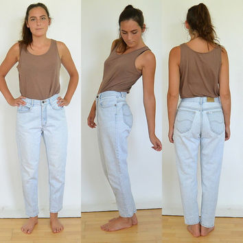 Vintage High Waisted High Rise Lee Jeans Light Wash Tapered Leg Mom Jeans 90's