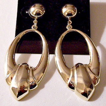 Oval Button Door Knocker Hoops Pierced Post Stud Earrings Gold T.  PrettyVintiqueJewelry.com be223eb600