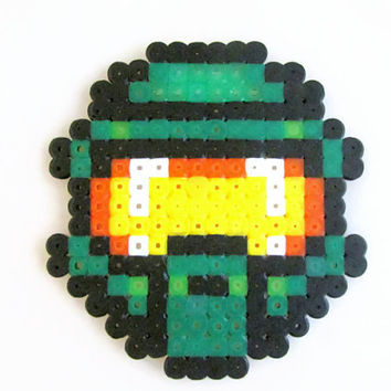 Halo Masterchief Magnet, hama / perler bead fridge magnet , video game pixel art