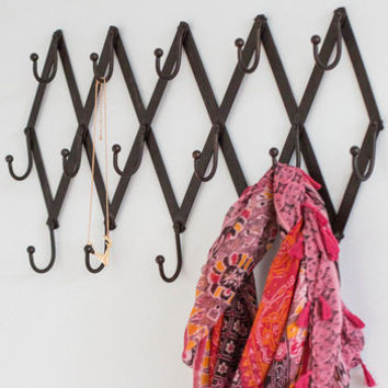 ModCloth Vintage Inspired Entryway of the Wise Wall Hooks