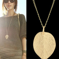Gold Thin Leaf Necklace
