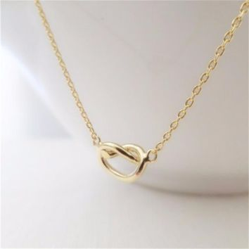 Fashion Love Knot Charm Necklace For Bridesmaid Gift Birthday Gift Love Heart Necklace Tied Knot Necklace