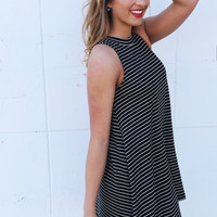 Out Of My Mind Sleeveless Tunic {Black}