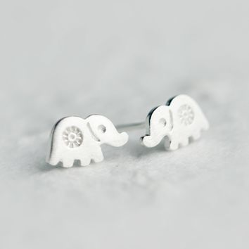 Lucky elephant 925 Sterling Silver earrings,  a perfect gift