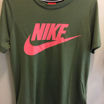 Nike Signal Short Sleeve T-Shirt Top Tee Large Logo