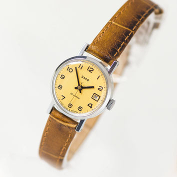 Beige face women watch Dawn, small minimalist lady watch, lady watch tiny, watch Soviet fashion, classy watch her, genuine leather strap new