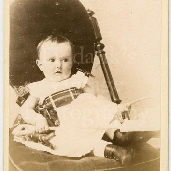 CDV Carte de Visite Photo - Victorian Baby Sitting in Chair - Hastings England