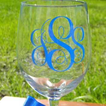 Monogrammed - Personalized - Large 20oz Stemmed Wine Glass!  Birthday Gift!  Chevron bottom design option - Custom wine glass