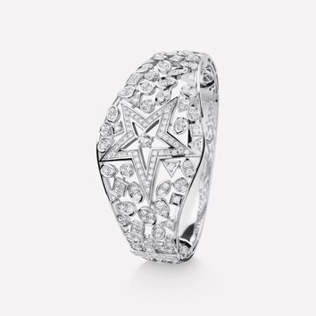 Comète bracelet - Star cuff, in 18K white gold and diamonds with one center diamond - J10597 - CHANEL