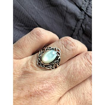 Antique White mother of pearl fillgree sterling silver ring