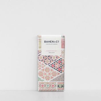 Bahen & Co. | Chocolate | Roast Almond & Sea Salt 70%