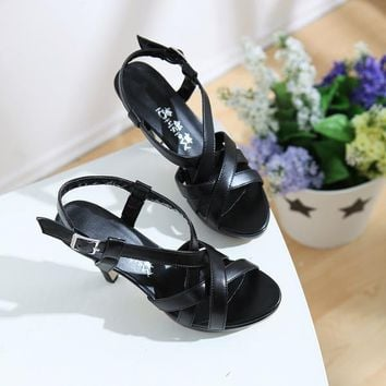 Fashion Sexy Buckle Strappy Women Sandals Open Toe Breathble Pu Leather Thick Heels Platform Shoes 2016 Ladies Party Shoes