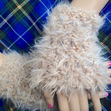 Outlander Claire's Fur Cuffs Wristwarmers Scottish Diana Gabaldon Puff Winter accessories Mitts FREE SHIPPING