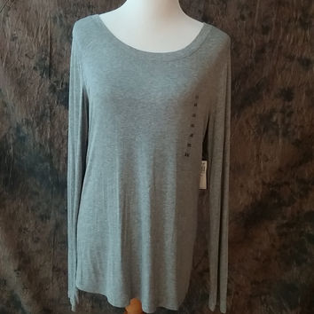 BCBG Knit Top Size XXL New Heather Grey Crew Neck