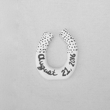Personalized Horseshoe Wedding Cake Topper //  Unique Cake Topper //  Country Wedding / Farm Wedding / Barn Wedding /  Lucky