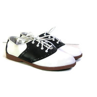 Vintage black and white saddle shoes / women's size 6.5