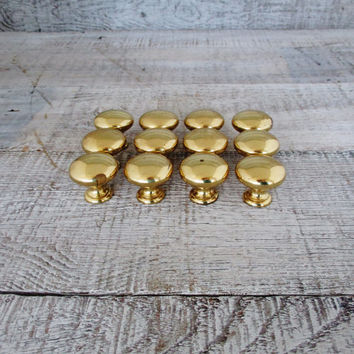 Knobs 12 Brass Knobs Brass Drawer Knobs Salvaged Hardware Antique Drawer Pulls Brass Cabinet Knobs Vintage Dresser Drawer Hardware