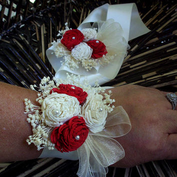 Sola flower corsage | wrist corsage | custom color | rustic wedding | beach wedding | mother's corsage | prom corsage | sola flower
