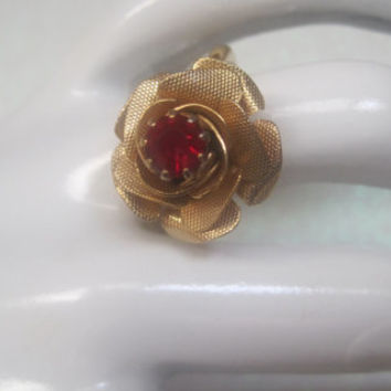 Vintage Jewelry Ring Rose Red Glass Center Adjustable Signed Sarah Coventry
