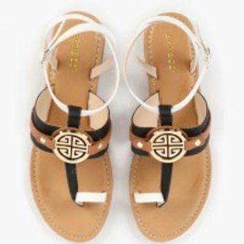 Bamboo Bellagio-05 Toe Loop Medallion Sandals